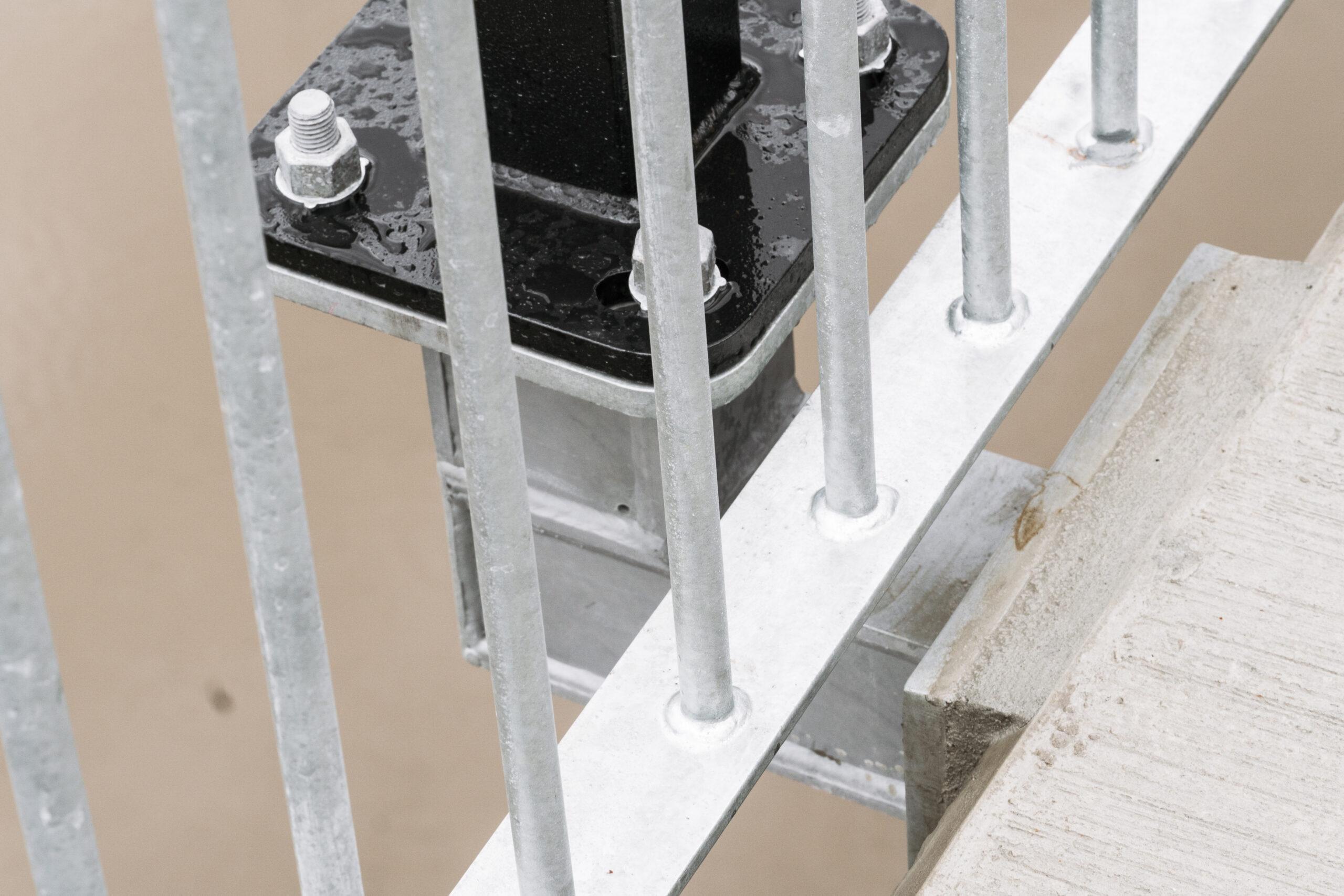 Indooroopilly Riverwalk Lamp Brackets